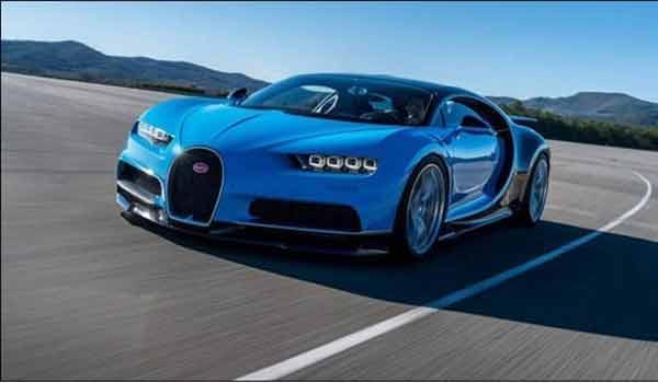 """""""Ông hoàng tốc độ Bugatti Chiron"""" xuất hiện bất ngờ trên phố"""